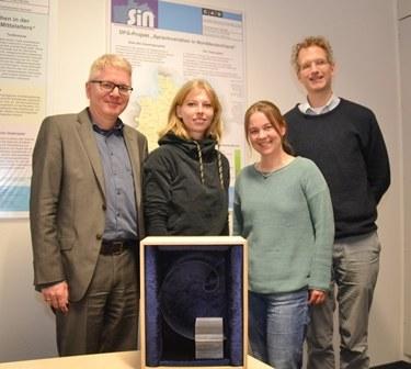 Das Kieler Projektteam von links: Prof. Michael Elmentaler, Dr. Liv Andresen, Dr. Viola Wilcken, Robert Langhanke. Foto/Copyright: Claudia Eulitz, CAU